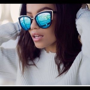 NWOT Quay My Girl Sunglasses